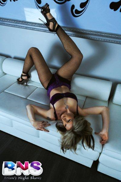 stripteaseuse LUANA