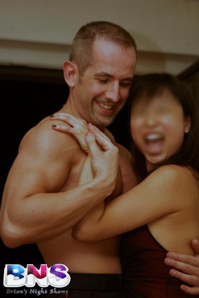 stripteaseur Brian